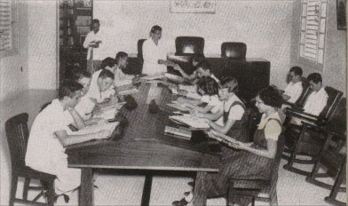 tt-instituto-salonlectura1951.jpg